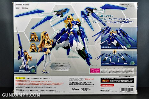 Armor Girls Project Cecilia Alcott Blue Tears Infinite Stratos Unboxing Review (8)