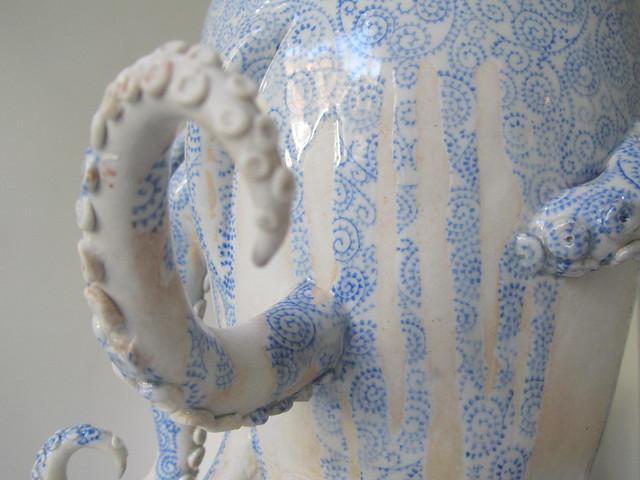 octopus/pot by Keiko Masumoto