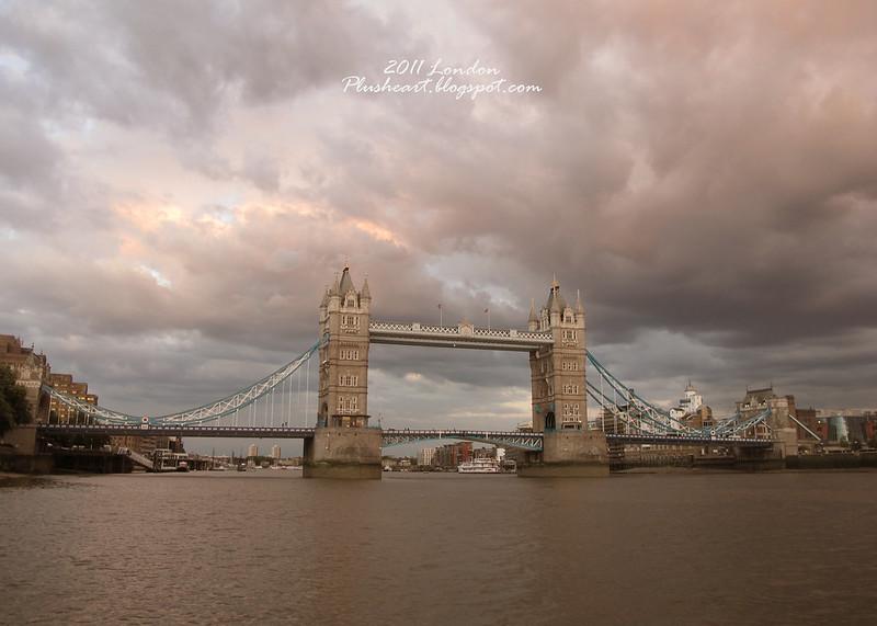 ▌London ▌ 倫敦鐵橋垮下來