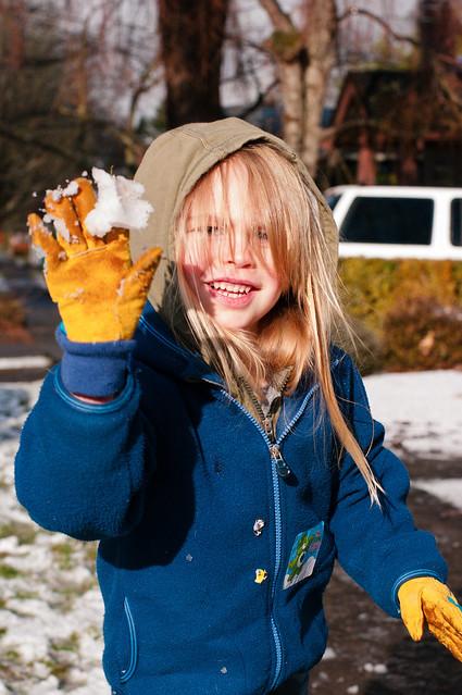 sadie throwing snowball 2