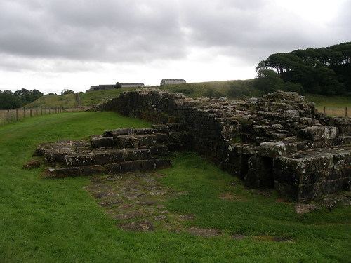 The Wall rising to Willowford farm