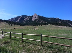 Hiking past the Boulder Flatirons to Royal Arch