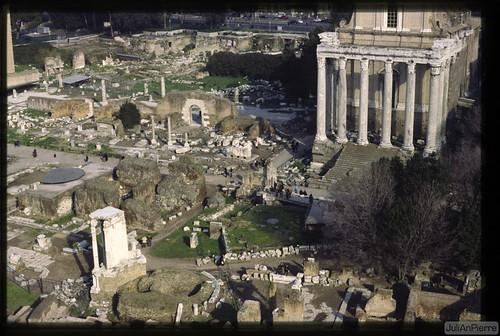 ROMA ARCHEOLOGIA: Foro di Nerva e Foro della Pace, completamento degli scavi 1995-1997 [01/1998]. by Martin G. Conde