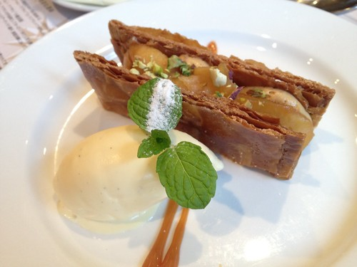 デザート:リンゴのミルフィーユ@東京日仏学院ラ・ブラスリー