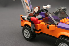6864 The Batmobile and the Two-Face Chase - Truck 3