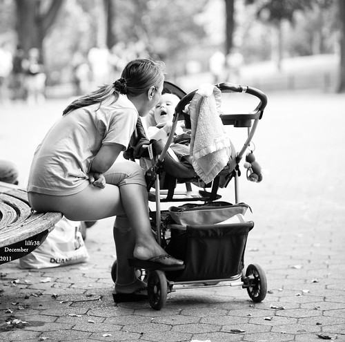 Faces Of New York #18 - Cute Moment In The Park by LilFr38