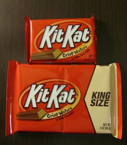 King Size Kit Kat (USA) - with regular Kit Kat