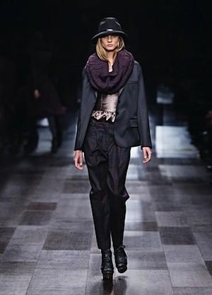 Autumn:Winter 2009 Campaign - Fashion Show (19)