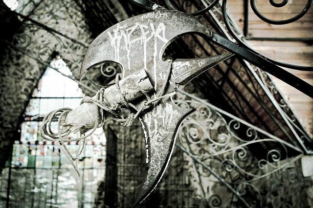 Axe bird