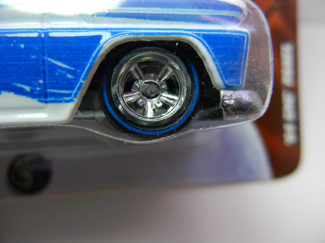 HOT WHEELS NOSTALGIA HERSHEYS '64 GMC PANEL (4)