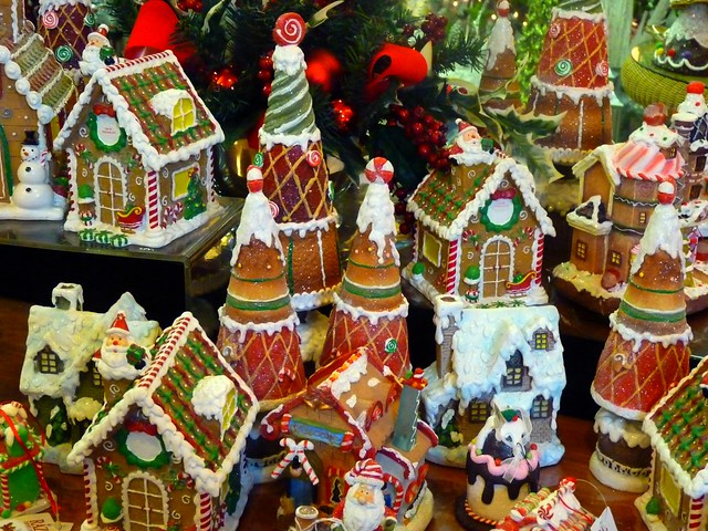 Gingerbread Houses by Diana via Flickr, used unmodified under CC BY 2.0 license