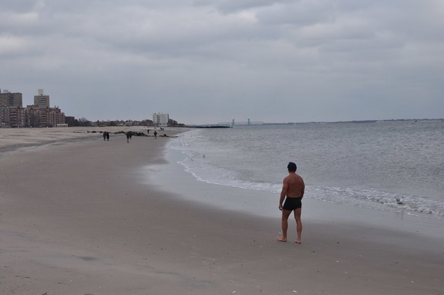 coney island beach winter - running people