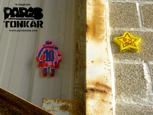 Star & Girl in the city #10 // Saint-Brieuc, 2011 by Pegasus & Co