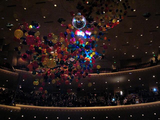 Balloon drop at midnight