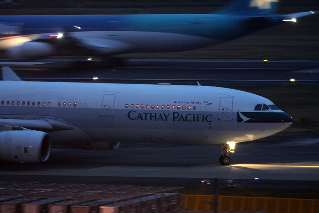 Cathay Pacific A330-300X(B-HLP)