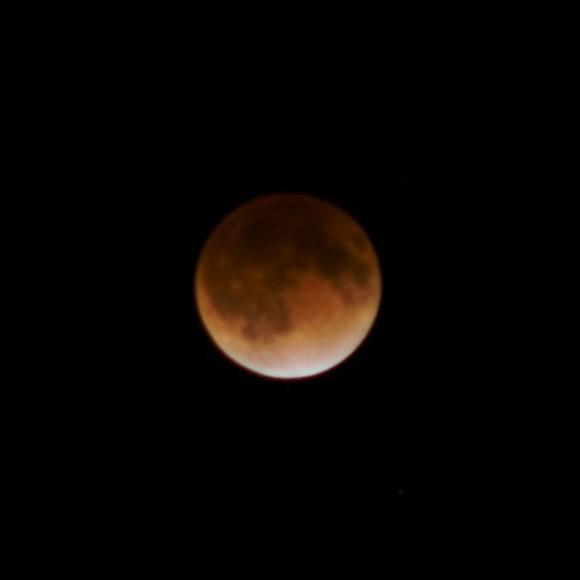 111210_ lunarEclipse05