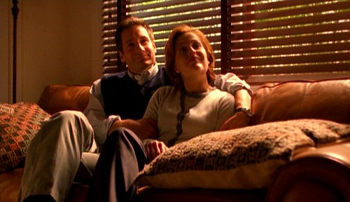 Fox_Mulder_and_Dana_Scully_as_Rob_Petrie_and_Laura_Petrie