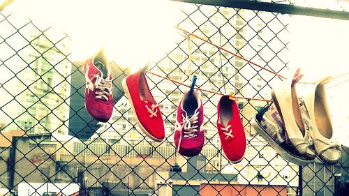 Ponte en lo zapatos de tu vecino by XuchTM