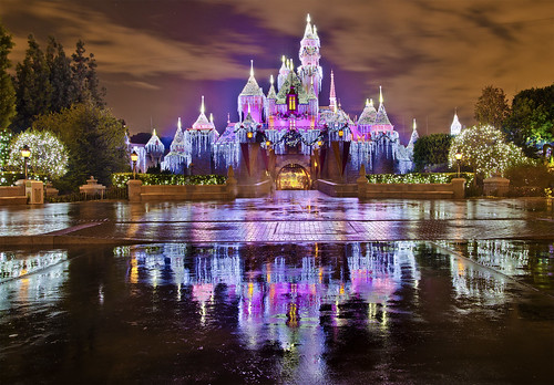 Sleeping Beauty Castle - Christmas at Disneyland!