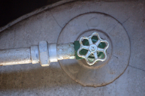valve with tank