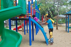 Kids learning to climb @ Lumphini Park, Bangkok