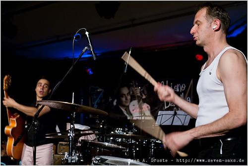 Adriano Batolba (André Tolba) & Matt L. Hanson (Martell Beigang) / Adriano Batolba Orchestra