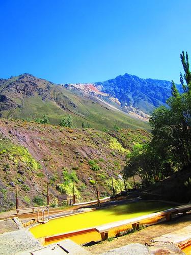 Vista a las montañas desde Baños Morales