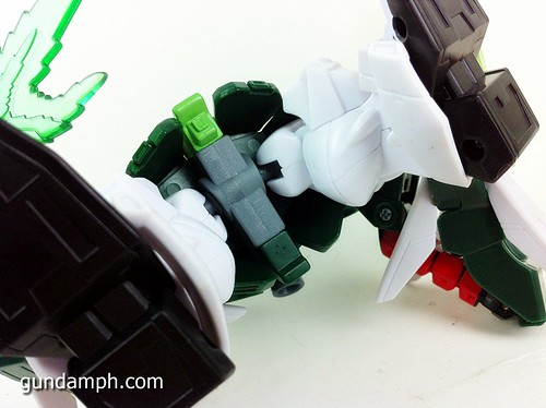 SD Gundam Online Capsule Fighter ALTRON Toy Figure Unboxing Review (36)