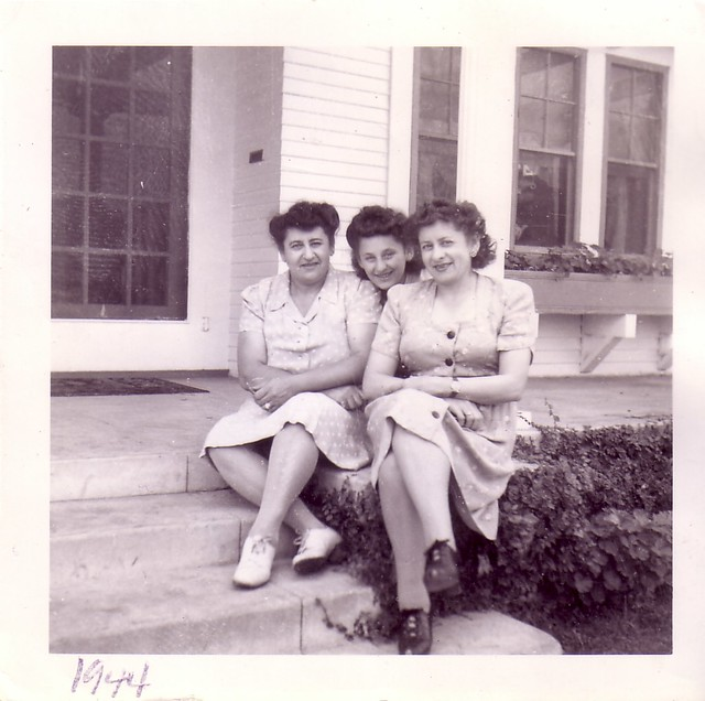 Rose, Sandra, Leila 1944