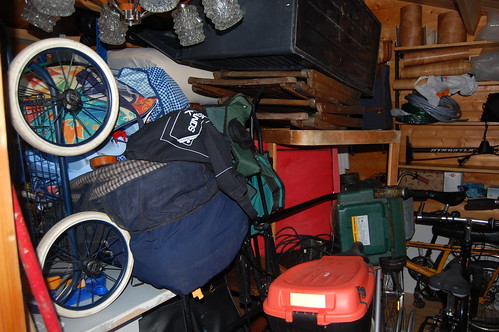 Cluttered Shed by UnnarYmir on Flickr.com