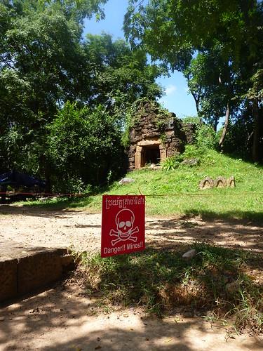 Landmine clearance