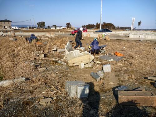 萱浜, 南相馬で震災ボランティア Volunteer at Minamisoma city, Fukushima pref. Seriously affected by the Tsunami of Japan Earthquake and Fukushima Daiichi nuclear plant accident