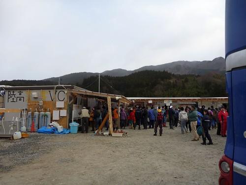ボランティアセンター, 陸前高田で土のう作りボランティア(甲斐のめぐみ号) Volunteer at Rikuzentakata, Iwate pref. Deeply affected by the Tsunami of Great East Japan Earthquake