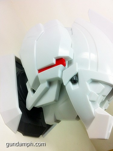 Banpresto Gundam Unicorn Head Display  Unboxing  Review (39)