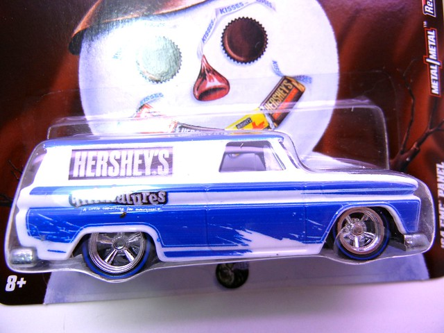 HOT WHEELS NOSTALGIA HERSHEYS '64 GMC PANEL (2)