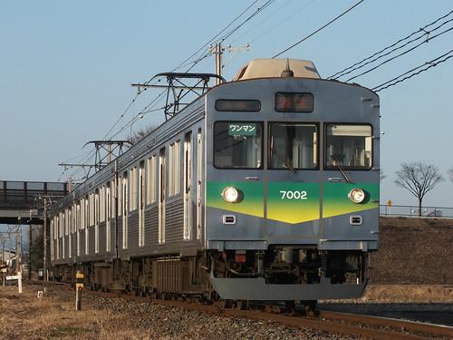 7002F @西羽生~新郷