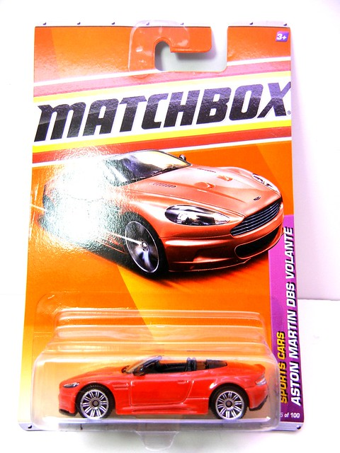 MATCHBOX ASTON MARTON DBS VOLANTE RED (1)