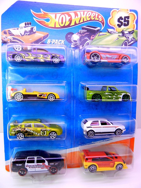 hot wheels holiday 8 packs (2)