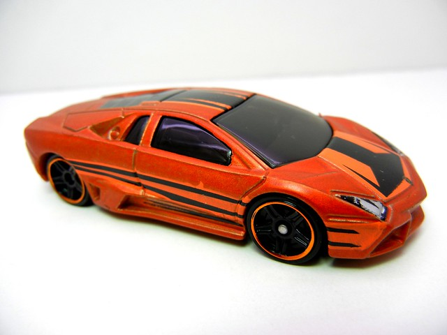 hot wheels lamborghini reventon bronze (2)