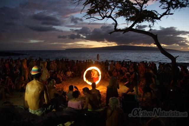 fire-spinners 0000 Little Beach, Maui, Hawaii, USA
