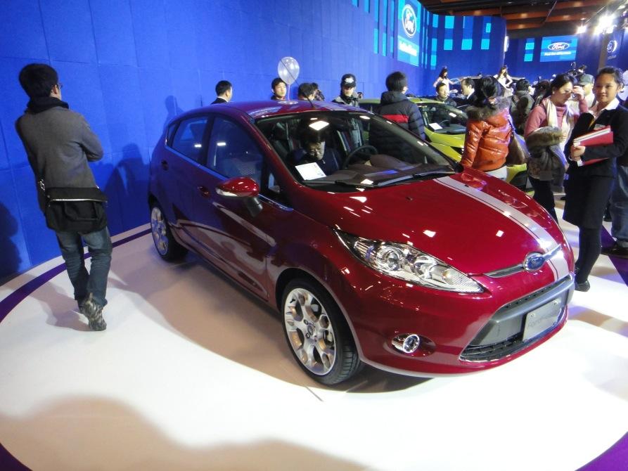臺北,乖,有時一個人生活: 國產 Ford Fiesta 評價到底好不好呢?來跟其他國產小車比較看看吧!