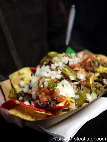 Señor Sisig Food Truck - sisig nachos-1