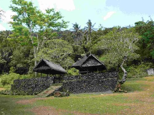 Trekking: approaching Tenganan from inland