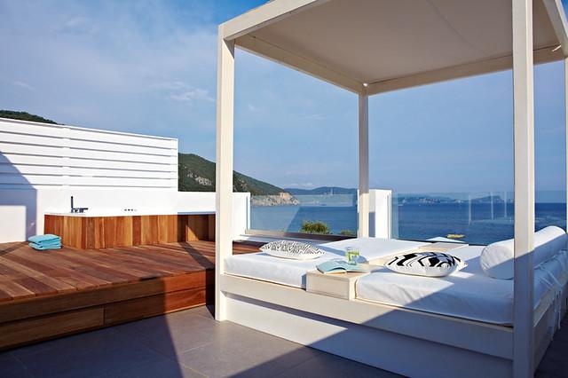 Lichnos Beach Suite