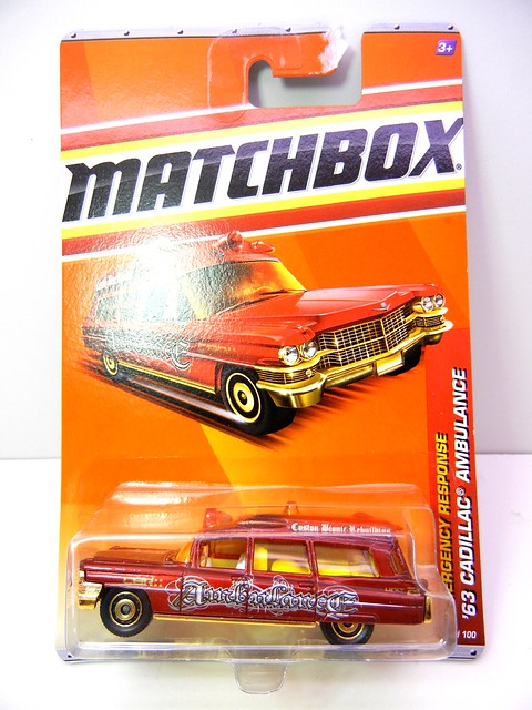 MATCHBOX '63 CADILLAC AMBULANCE RED (1)