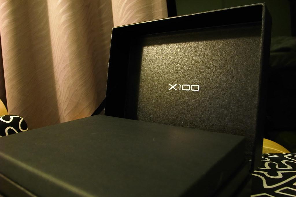X100。