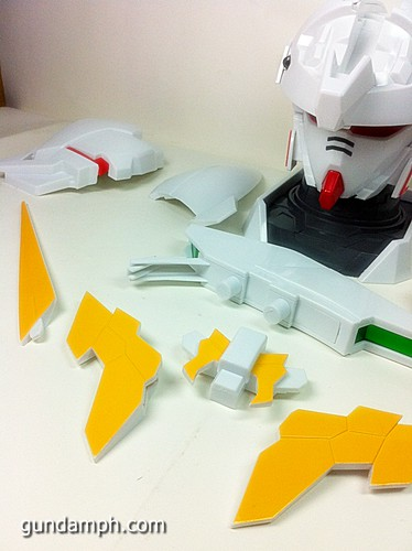 Banpresto Gundam Unicorn Head Display  Unboxing  Review (33)