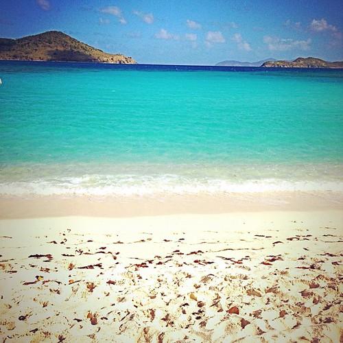 White sand #beach, #turquoise #sea #ocean #islands #caribbean #stt #virginislands #vacation
