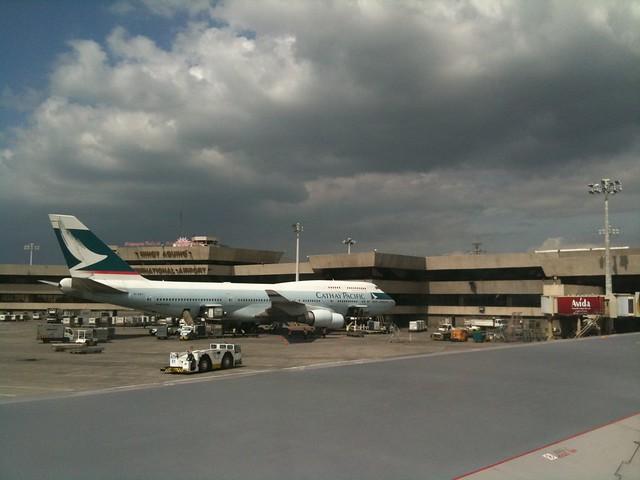 Cathay Pacific 747-400 at NAIA Terminal 1