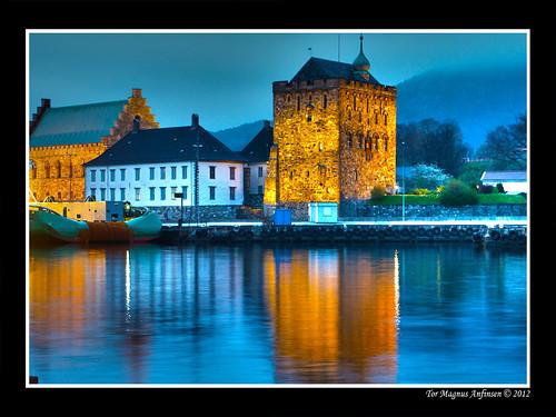 Bergenhus festning reflection by Tor Magnus Anfinsen